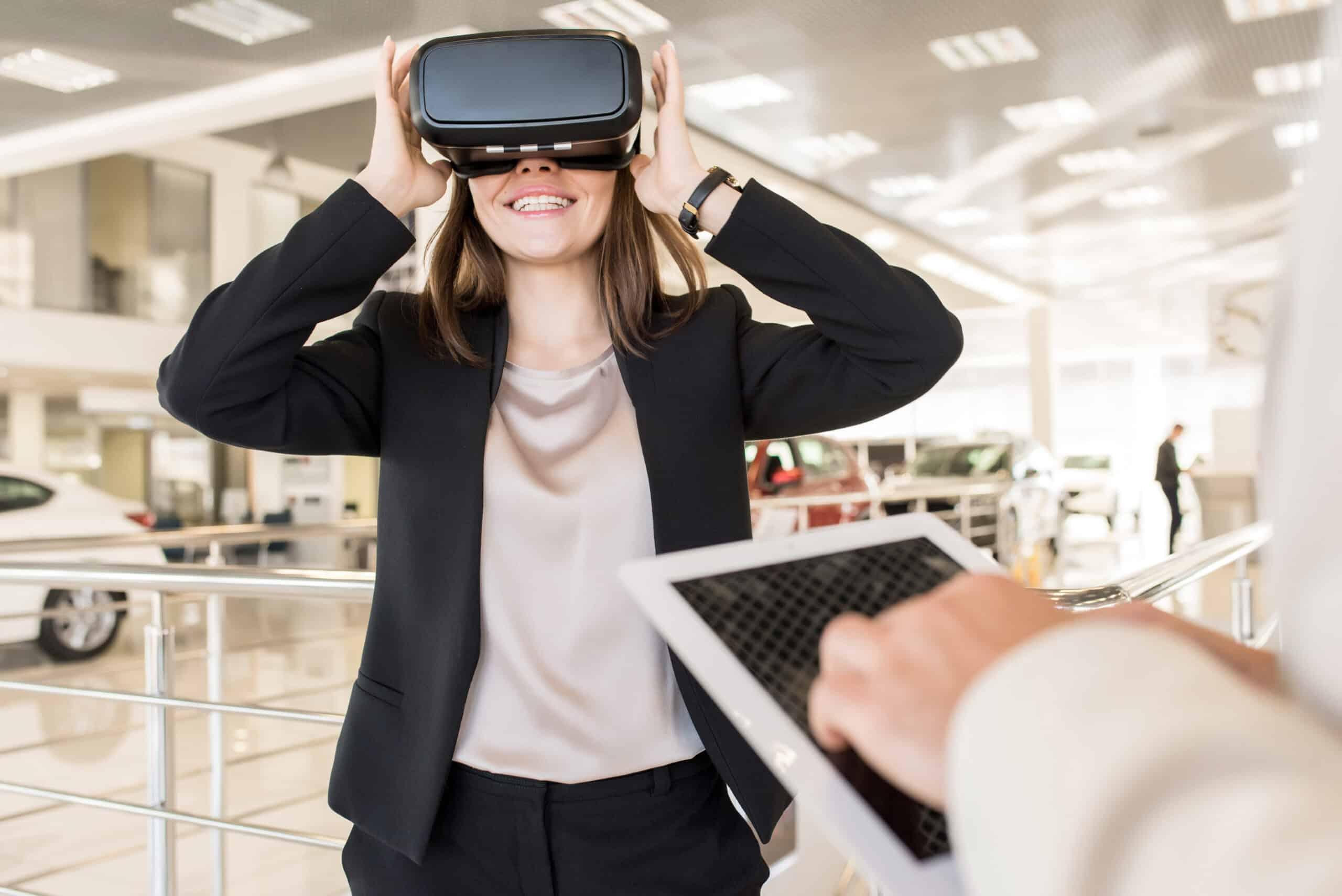 virtual reality training eye tracking